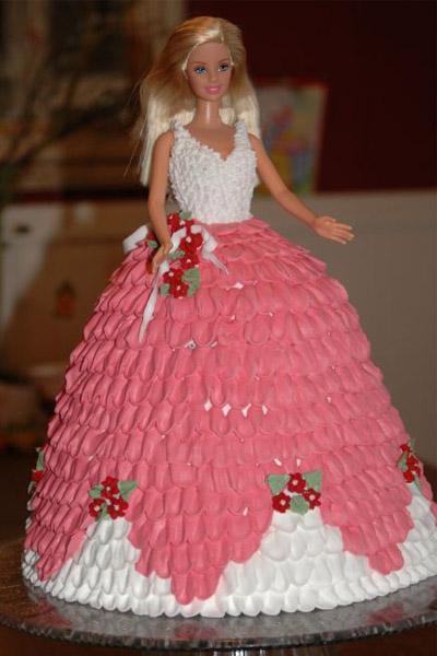 barbie taart MAMA KOOKT: BARBIE TAART   Mama Glossy barbie taart