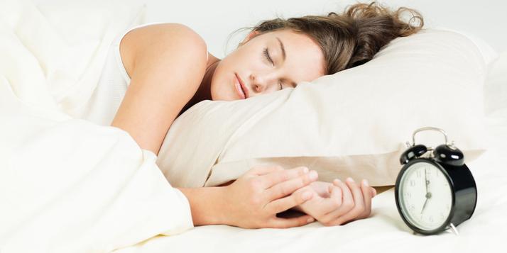 8 TIPS OM 'S AVONDS BETER IN SLAAP TE VALLEN