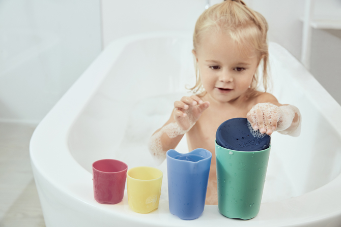 Flexi Bath bathing Toys in setting